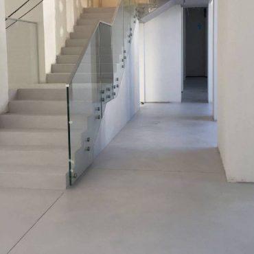 Betonová stěrka Microbond na podlaze