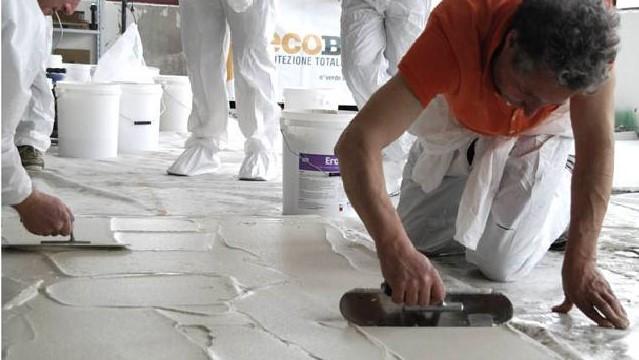 aplikace betonové stěrky Microbond svépomocí